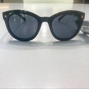NWT Foster Grant polarized max block sunglasses